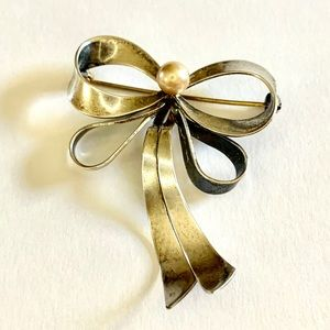 Vtg Signed Sterling Silver and Pearl Bow Brooch